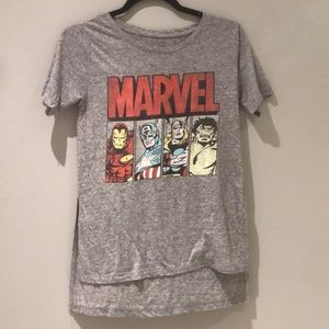 MARVEL HIGH-LOW T SHIRT